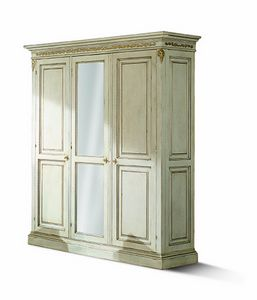 1477LQM, Three doors carved wardrobe with mirror