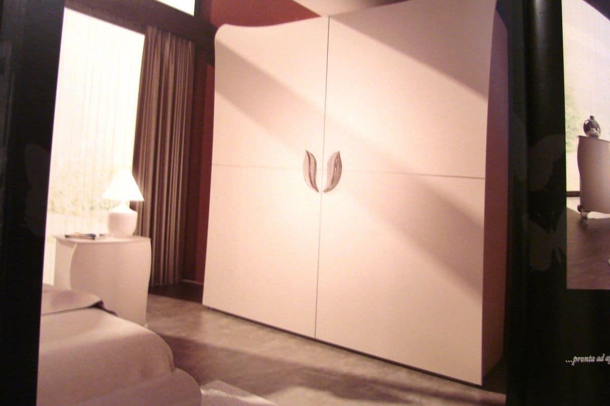 Wardrobe With 2 Sliding Doors For Luxury Hotels Idfdesign