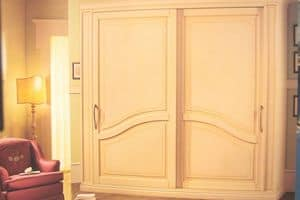Layert, Wardrobe with sliding doors for luxury hotels