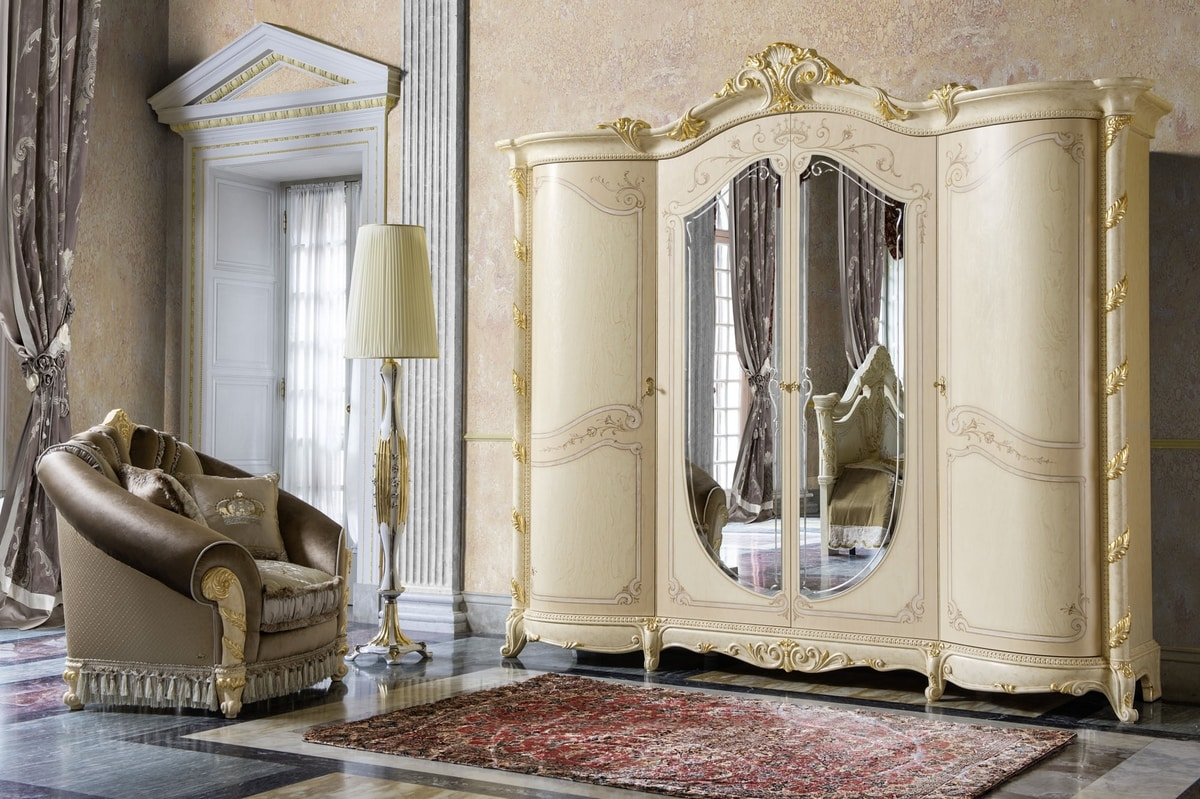 Madame Royale wardrobe, Classic style wardrobe with sinuous shapes