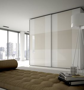 PI�, Wardrobe with painted glass doors