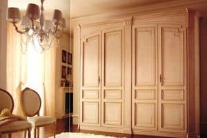Rinascimento, Classic wardrobe with 4 doors, lacquered with decorations