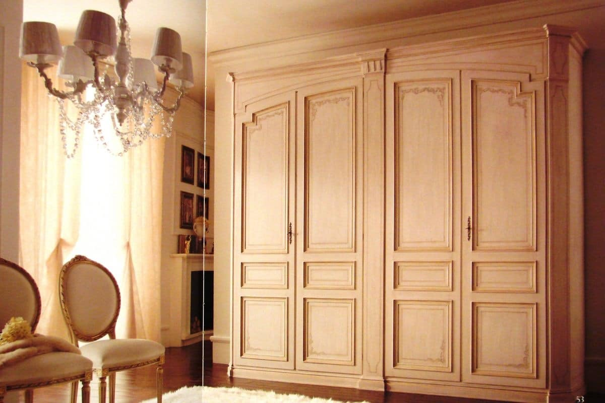 Classic wardrobe with 4 doors, lacquered with decorations | IDFdesign