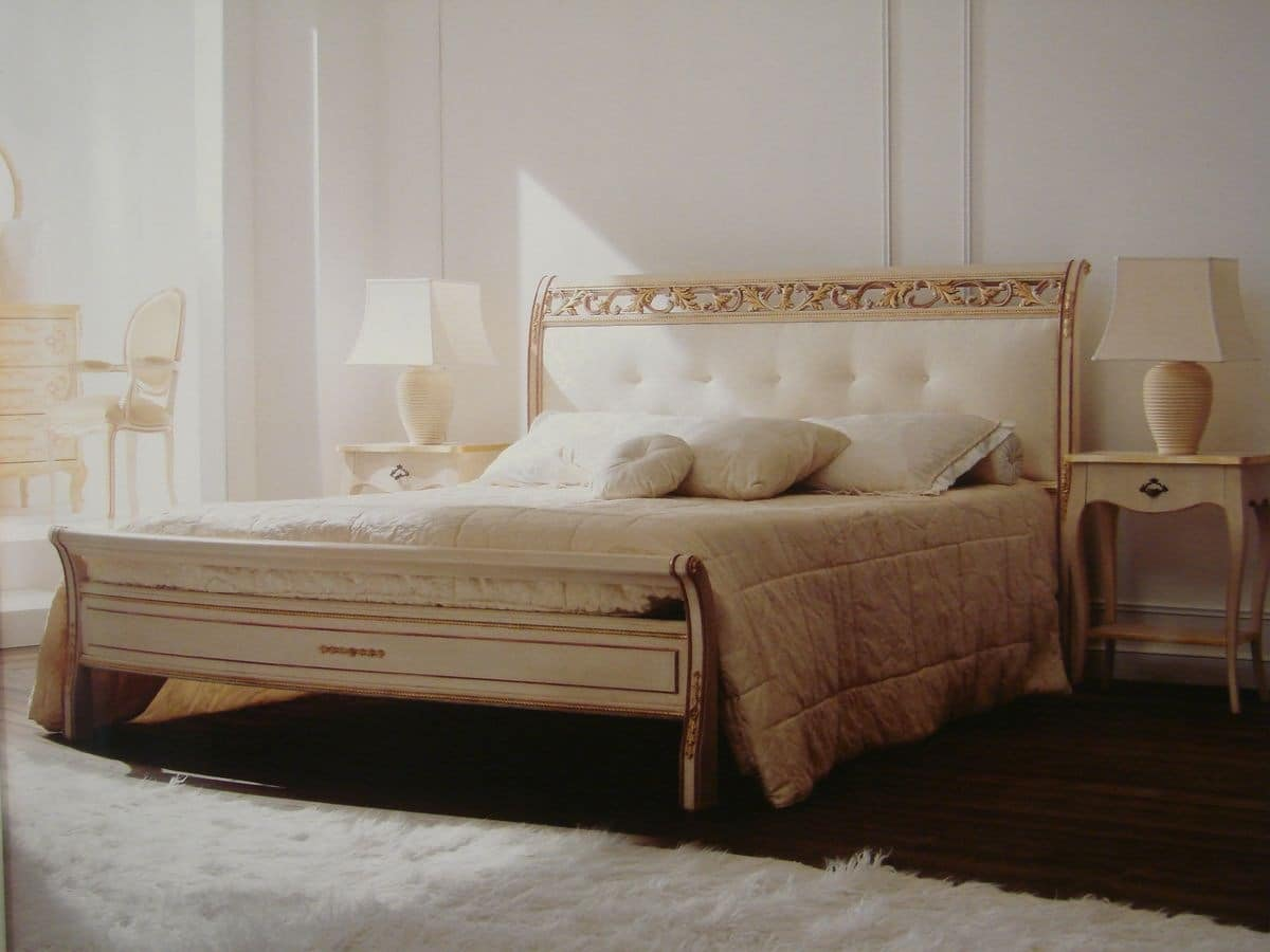 Art. 1800, Double bed, classic, carved, for bedroom