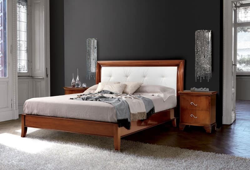 Vivre bed Art. 396, Classic bed carved, with headboard covered in leather