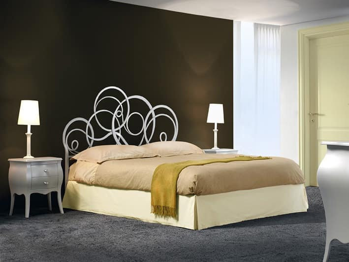 Azzurra, Wrought iron beds, with scrolls, for Classic bedroom