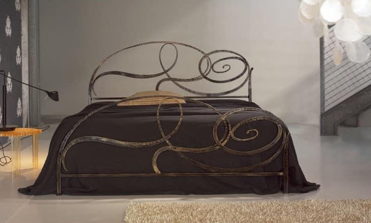 Capriccio, Wrought iron bed, spiral elliptical design