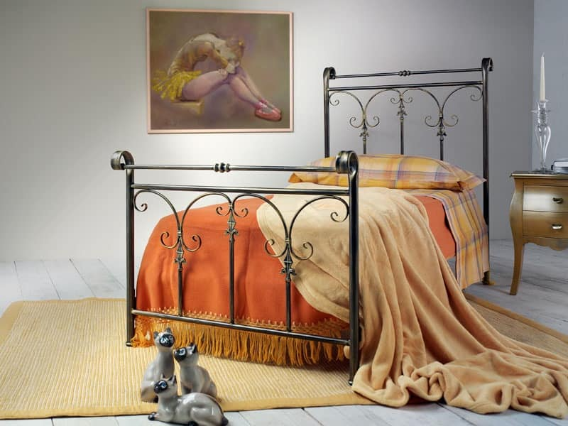 Granada, Iron bed, decorated with pastoral motif
