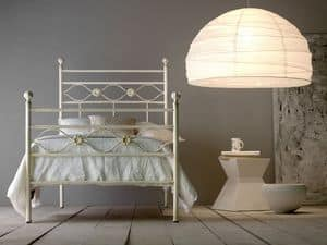 Incanto, Robust iron bed, with aluminum knobs