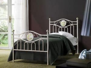Lina Single Bed, Classic iron bed for hotel suite
