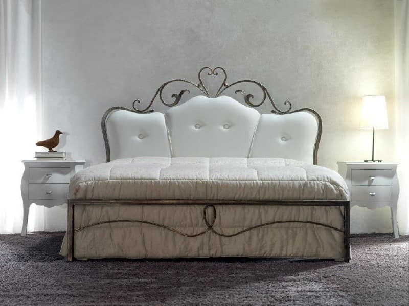 Norma, Double bed in wrought iron with tufted headboard
