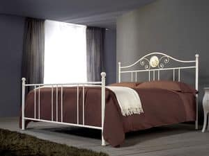 Romanza, Iron handmade bed for classic rooms