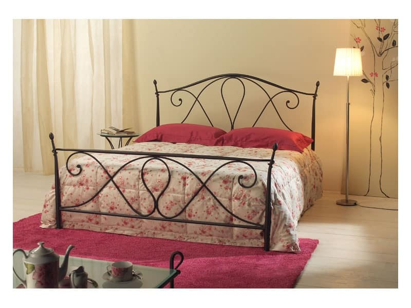 Selene, Tapered iron double bed, antique finish