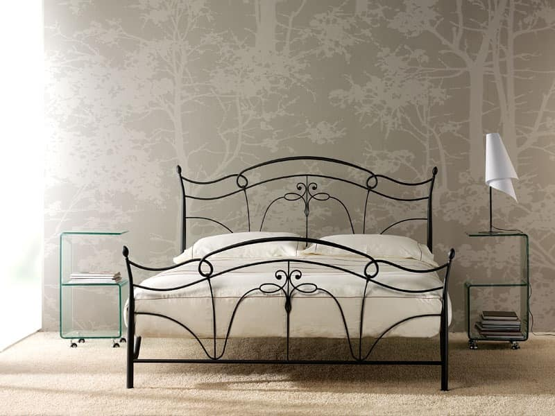 Venus, Bed in tapered iron, wrought iron decorations