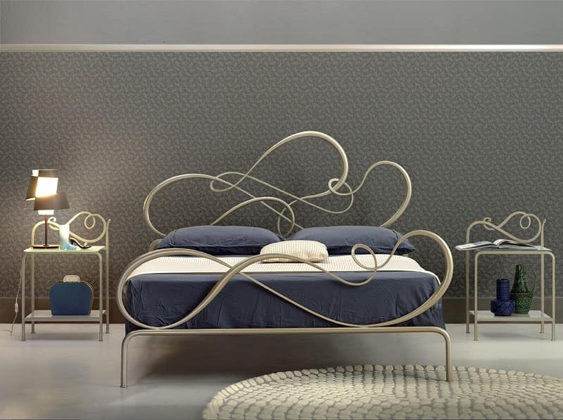 Blues double bed, Classic iron bed for Elegant bedroom