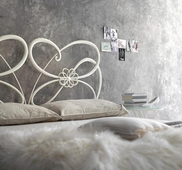 Tango, Wrought iron double bed, in modern style