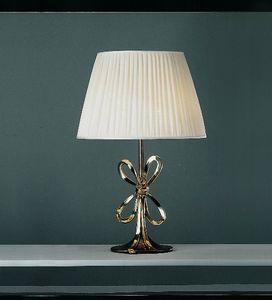 Art. 3085-01-00, Lamp with silk shade