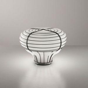 Chapeau Mt433-025, Table lamp with a sinuous shape