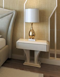 Charme, Refined lacquered bedside table