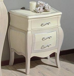 Siria 137, Hand-lacquered bedside table