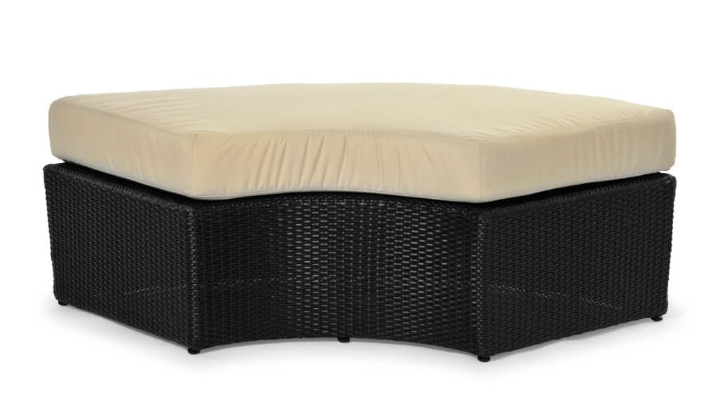Arena ottoman/bench, Bench in aluminum and interlocked grain, for outdoor