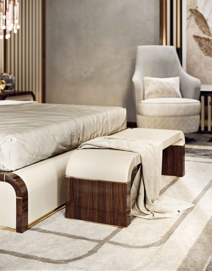 ART. 3371, Bench for bedroom, with leather seat