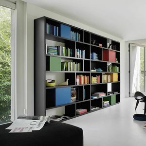 Modo M5C85, Bookcase with colorful containers