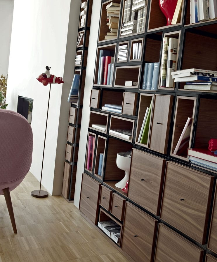 Wallis W004G, Modular equipped wall for living room
