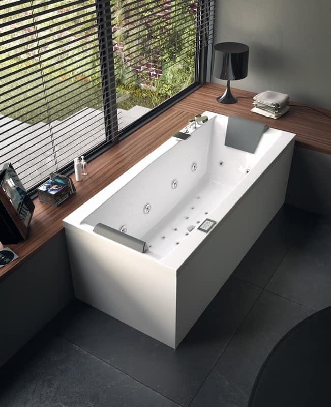 Modern bathtub with Jacuzzi, various sizes | IDFdesign