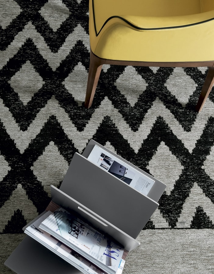 GIOTTO, Industrial rhombus yarn carpet with fringes
