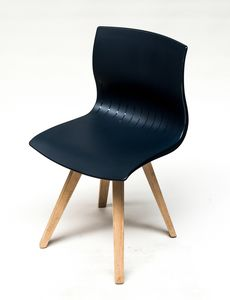 WEBBY 333U, Chair with beech legs, nylon shell