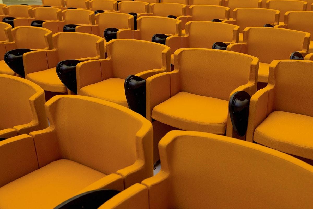 UF 147, Space-saving armchair for auditorium