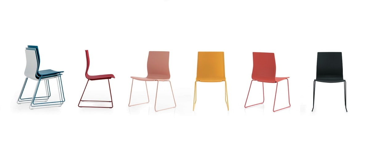 Q3, Chair with sled base, polypropylene shell
