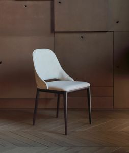 MALVA, Chair with leather upholstery
