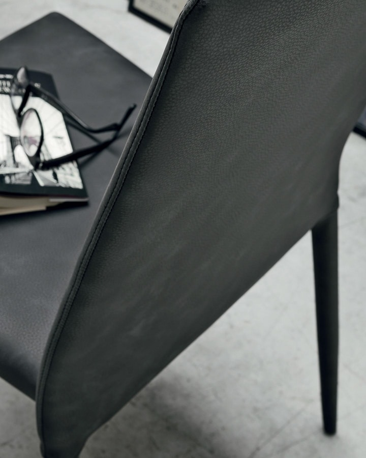 Skinny, Chair completely covered in leather