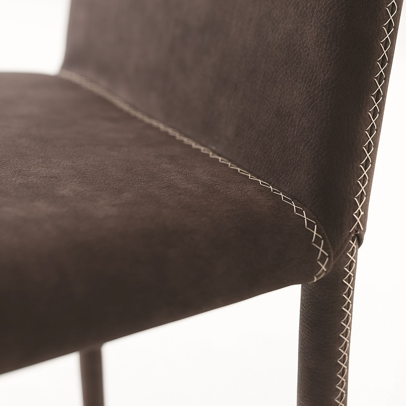 Dora, Chair with high back