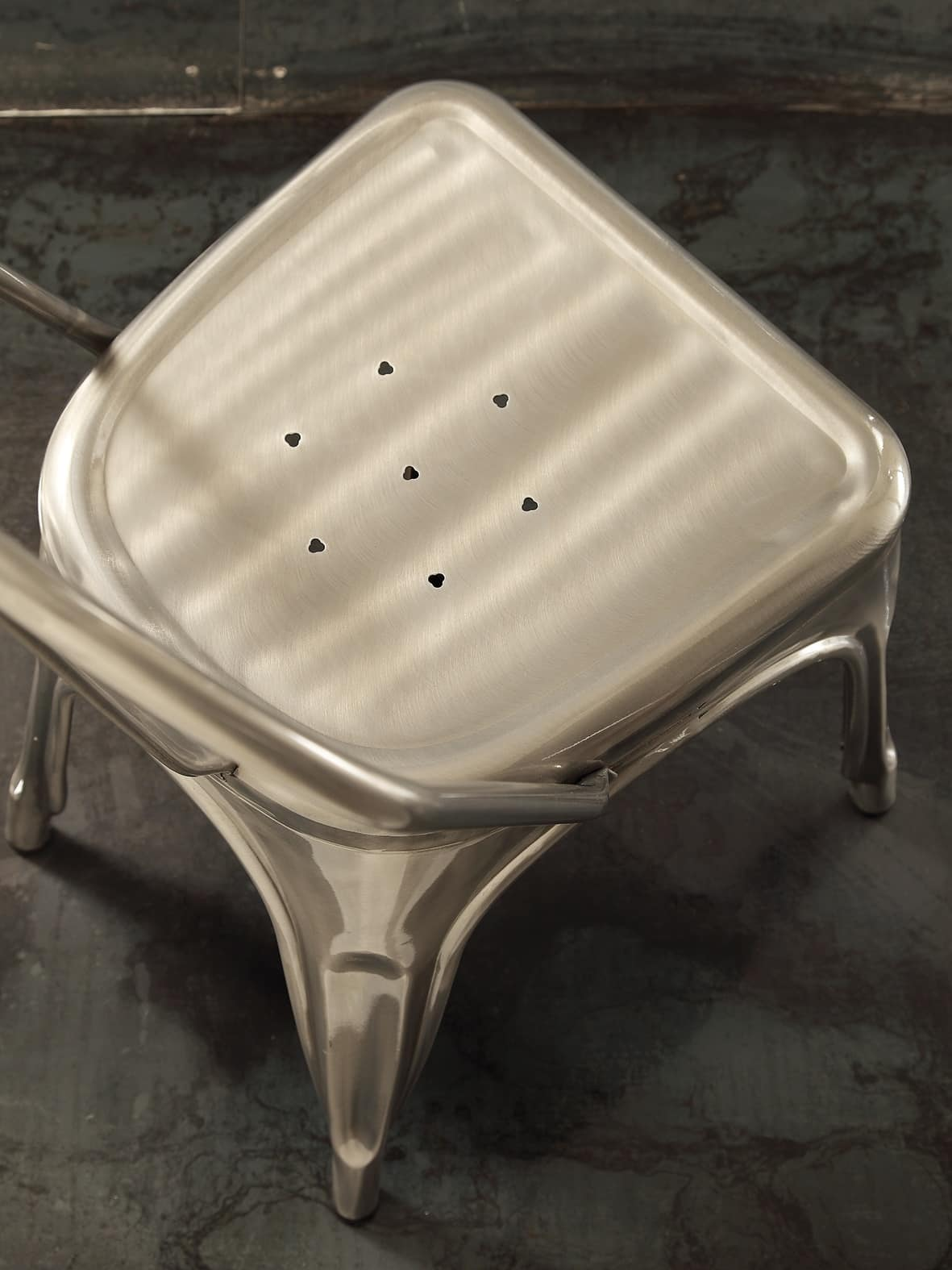 Art. 069 Route 66 chair, Stackable metal chair in vintage style