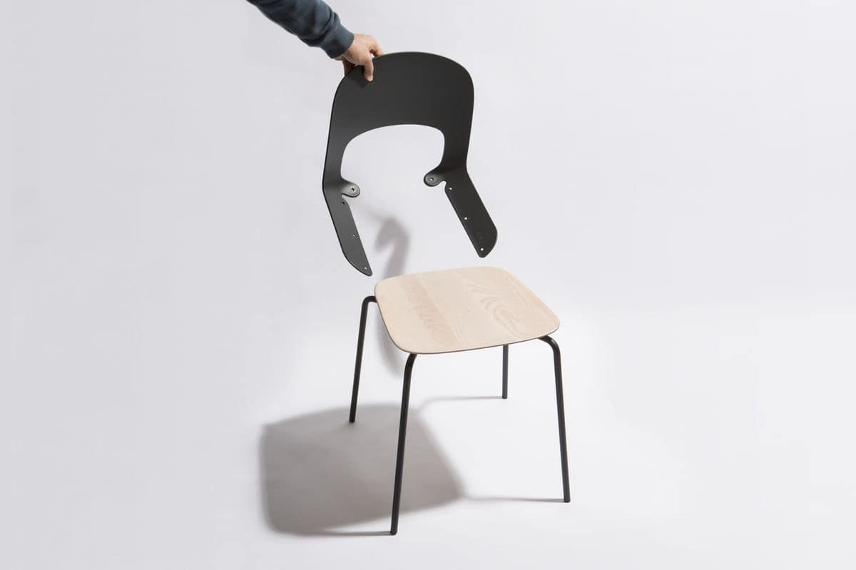 Cora, Lightweight chair, with back in nylon and metal base