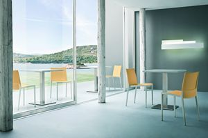 Over, Linear chair in polypropylene and polymer
