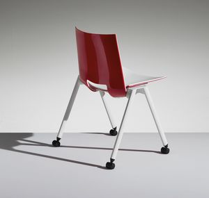 HL3 2, Chair with legs and wheels for work and community