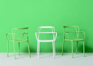 3715 Intrigo, Stackable metal chair with armrests