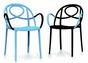 9663 Etoille, Stackable outdoor chair with armrests