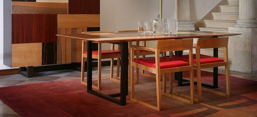 Burton 3891, Chair with armrests, with linear shapes