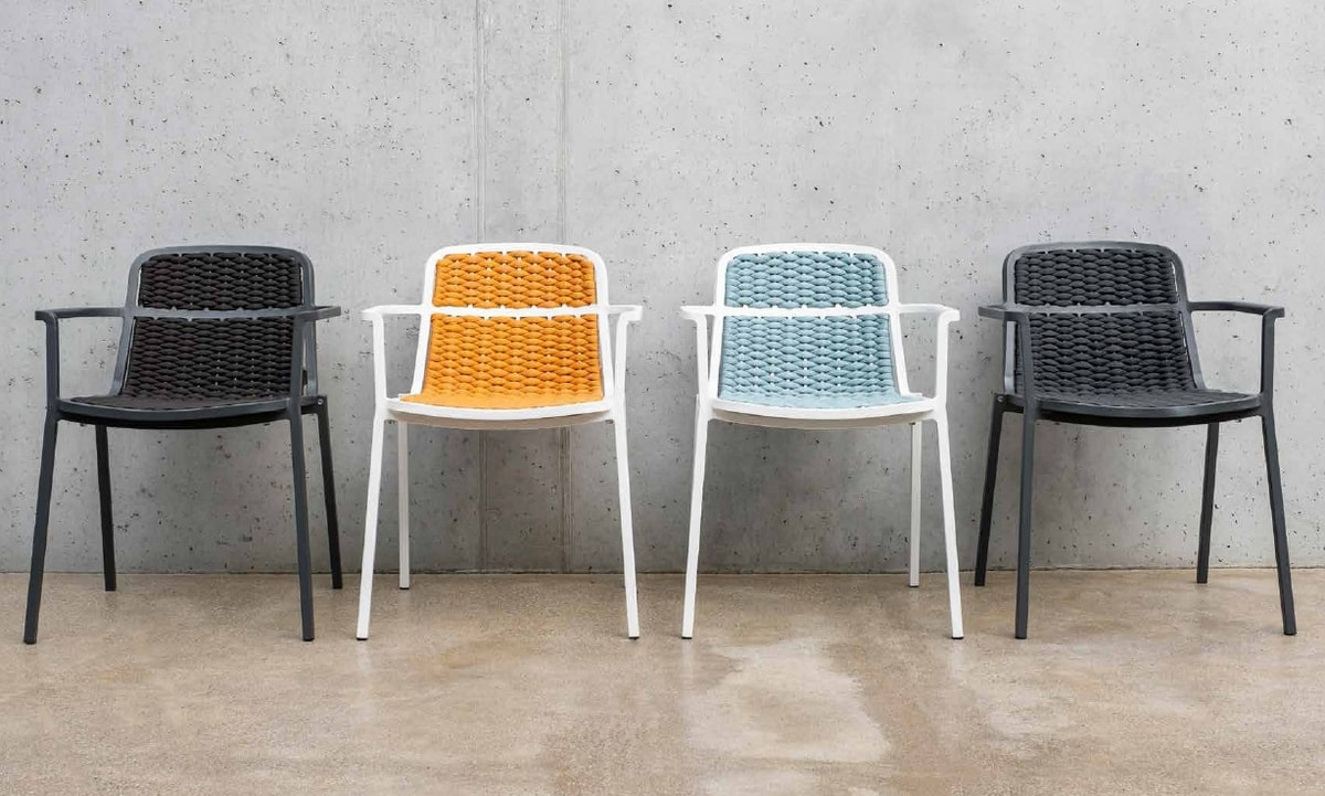 NIDA, Woven chair with armrests