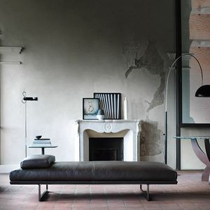 Blumun daybed, Chaise longue in leather or fabric