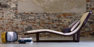 Boomerang, Chaise longue in solid wood, removable cover