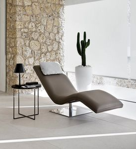 Kalinda, Chaise longue with a sinuous line