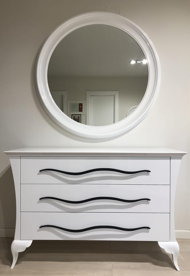 Alice / Alice Soft Art. 416, Elegance and dynamism characterize this dresser