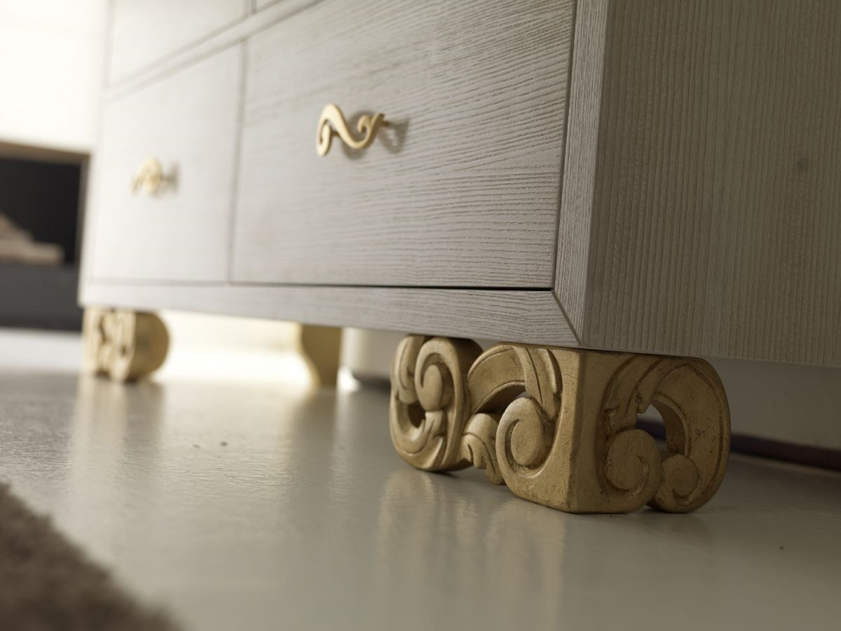 Allegra carved foot chest of drawers, Chest of drawers in ash wood