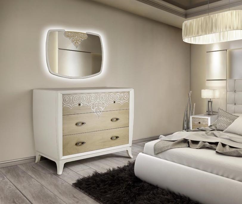 AN 722 ZA, Chest of drawers in white lacquered ash